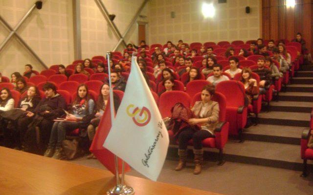 """Gençtur Galatasaray Üniversitesi'nde """"Haydi Chantier'ye """" dedi!.."""