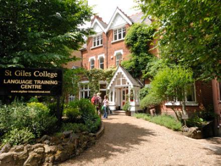 St Giles International merkezlerinde Türk öğrencilere özel 2012 indirimleri